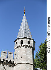 Topkapi Palace Tower, Istanbul - Topkapi Palace Tower in...