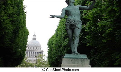 luxembourg gardens pantheon paris - statue in luxembourg...