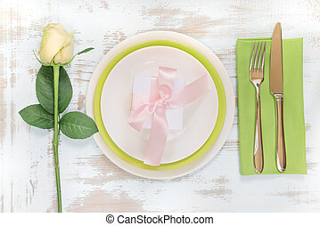 Beautiful table setting - White and green plates, green...