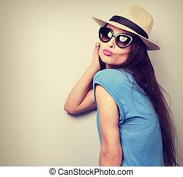 expressão, femininas, modelo, mostrando, beijo,...