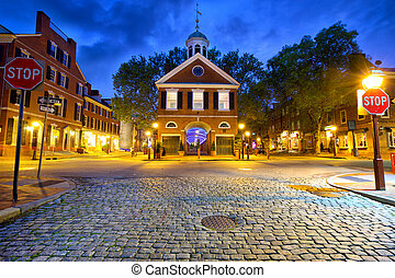 Old Philadelphia street - Society Hill with old streets in...