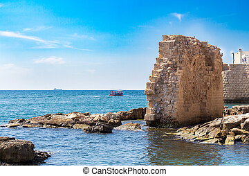 Acre, Remains of ancient harbor