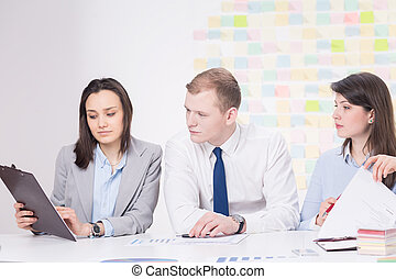 Searching for relevant business data - Women draws to the...