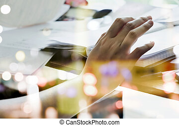 business women working at the desk