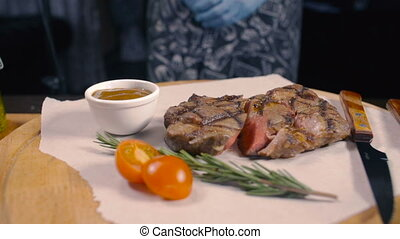 Ready Medium Rare Grilled Beef Restaurant Business