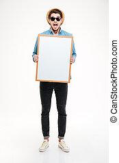 aberta,  whiteboard,  shouting, boca, segurando, em branco, espantado, homem
