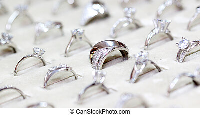 Fashion jewellery ring with zircon - picture of a Fashion...