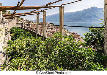 Old lemon house in Limone sul Garda, Italy. - Old lemon...