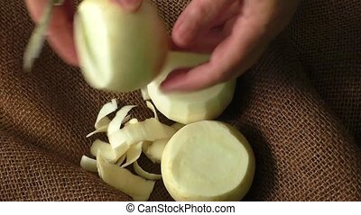 White round japanese radish - Tasty fresh crude white round...