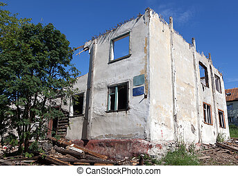 old destroyed house in Russia - old house dismantled due to...