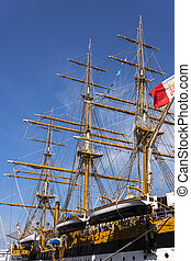 ship Amerigo Vespucci - Ropes and wood on the ship Amerigo...