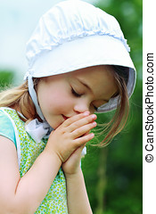 Amish or Mennonite Child Praying - Little Amish/Mennonite...