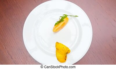 Grilled vegetables on the plate timelapse