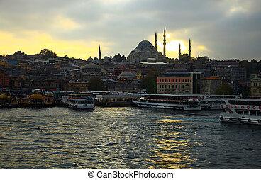 Eminonu, Istanbul. - View of the Eminonu, Istanbul....