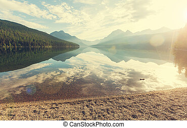 Bowman lake - Glacier National Park, Montana, USA Instagram...