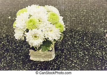 Flower in vase - Illustration mosaic tile of flower in vase