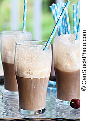 Root Beer Float - Root beer floats with colorful party...