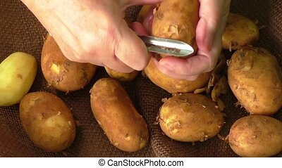 Potatoes and the process of cleaning