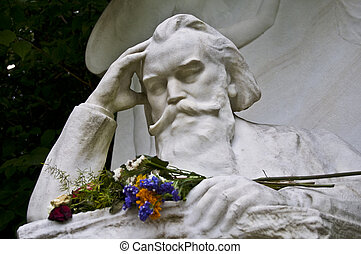 Brahms - tombstone of Johannes Brahms on the central...
