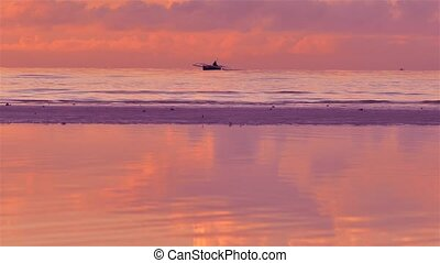 Fisherman on Sea Horizon - Philippines Fisherman on Horizon...