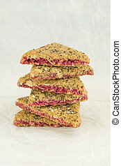 Integral cookies with strawberry and seeds - Integral...