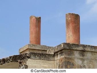 Broken Column Ruins - Broken columns at Knossos