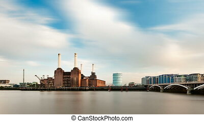 Battersea Power Station - Calm long exposure time lapse...