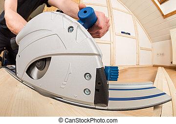 hand circular saw at work
