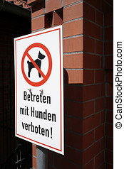 Access by dogs forbidden