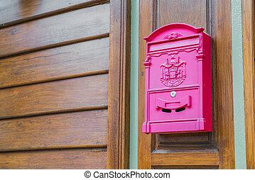 vermelho, correio, caixa, ligado, madeira, parede