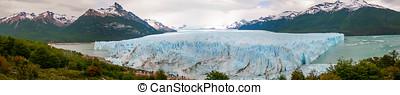 Panoramic view of the Glacier Perito Moreno, Calafate,...