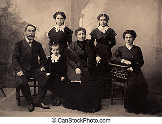 Vintage portrait,1911 year - Family portrait, people of all...