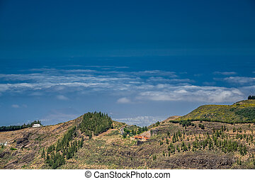 Homes on the slopes of mountains in Gran Canaria, Spain