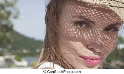 Face girl with straw hat pattern.
