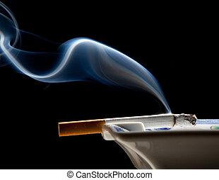 askkopp, röka, Tofs