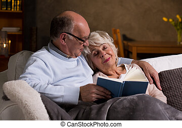 Evening read that made her fall asleep - Elderly marriage...