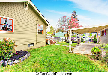 Old one story house with patio and fenced backyard - Old one...