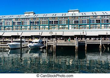 Finger wharf in Woolloomooloo bay. Sydney, Australia -...