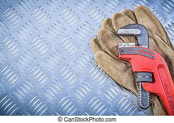 seguridad, guantes, mono, llave inglesa, en, corrugado,...