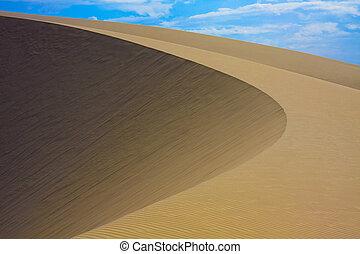 Round Shaped Desert Sand Dune - A beautiful round shaped...