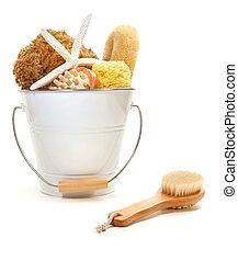 branca, balde, enchido, esponjas, Esfregar, escovas