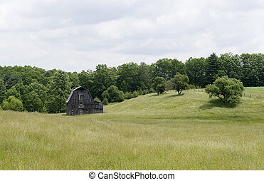 old wooden barn in west virginia