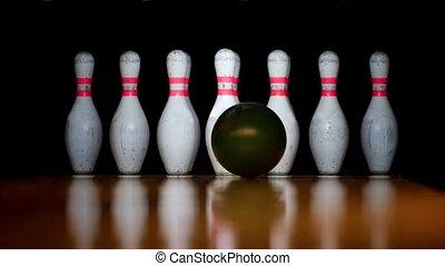 HD - Bowling. Strike. Slow-mo