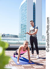 Push ups outdoor with personal trainer support - Personal...