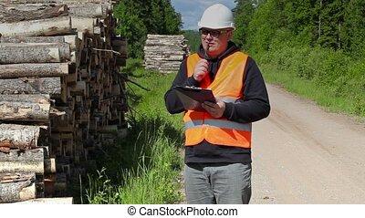 Lumberjack get idea