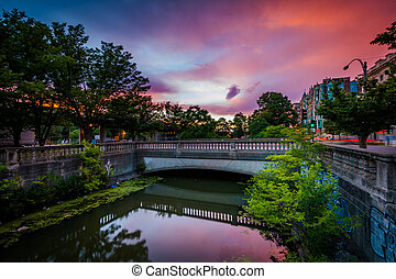 Sunset over Commonwealth Avenue at Charlesgate Park, in Back...