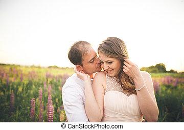 美麗, 愛, 夫婦,  fielf, 婚禮, 花, 傍晚