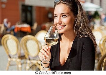 Wine tasting tourist woman. - Outdoors portrait of a...
