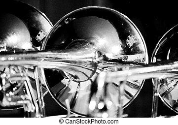 blanco,  Trombones, blanco