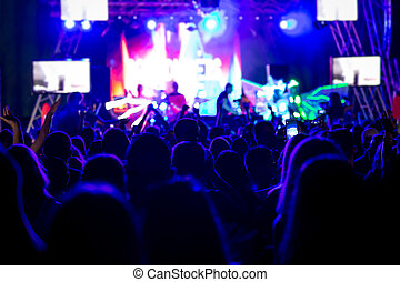 黨, 音樂會, 人們